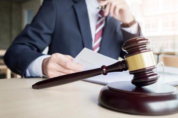 Как найти адвоката по наркотикам и адвоката по взяткам