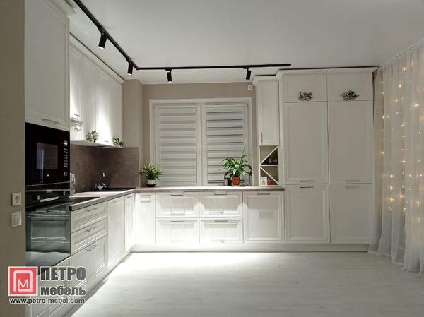 Производитель кухонь «Петро-Мебель»: качественные решения в Санкт-Петербурге