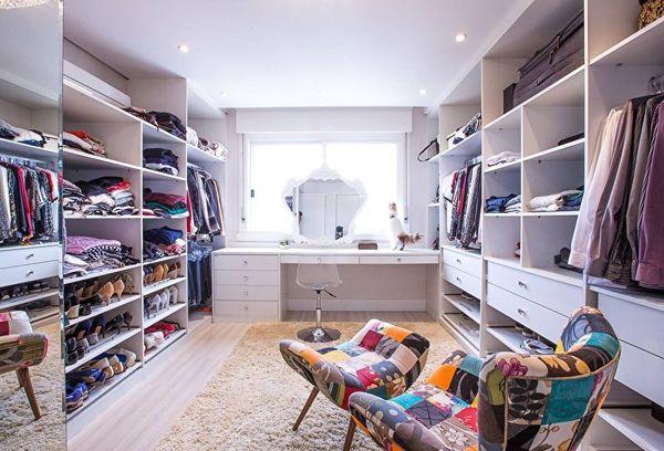 Современная большая гардеробная комната для вашего дома