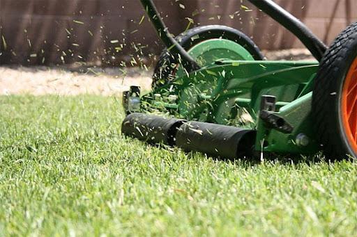 Характеристики и функционирование газонокосилок