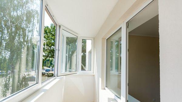 Как правильно выполнить остекление балконов и веранд?